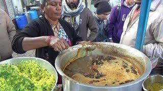 Famous Marathi Lady Preparing & Selling Tasty Tarri Poha | Half Plate 10 Rs | Nagpur Street Food