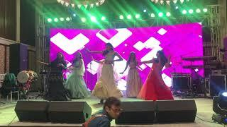 Bride with Friends Performance| Makhna dance |Mera Wala Dance.