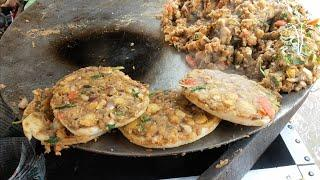 Chole Kulcha Pizza for Rs 20 | Unique Desi version of Pizza | Indian Street Food