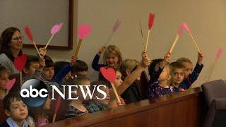Michigan boy invites entire kindergarten class to adoption hearing