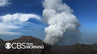 New Zealand volcano remains unstable, stalling recovery efforts