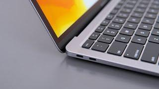 2020 MacBook Air Review - The Best $900 Student Laptop!
