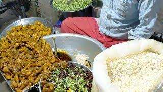 Bengali Famous Man selling Best Jhalmuri at Puran Dhaka/Best  Street food Chicken JHAL MURI/Mrfoodie